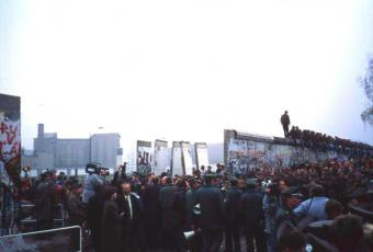 The newly opened border crossing on Potsdamer Platz, 12 November 1989