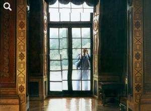 The painting Zaungast im Spiegel der Zeiten (Onlooker in the Mirror of the Times) depicts a room of Charlottenburg Palace with a person looking in from the outside through a window
